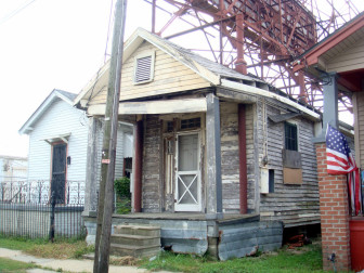 The house was still more or less intact when photographed in July 2011.