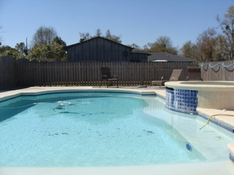 Sens admitted that contractors at the jail installed for free this pool, worth $25,000, at Sens' Waveland, Miss., home.