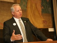 To applause from fellow representatives, House Speaker Chuck Kleckley has put some distance between himself and the governor.