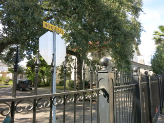 The fence, viewed here from Freret Street, has prevented drivers from using Newcomb Boulevard to cut from St. Charles Avenue to Freret. An appeals court has ruled the fence was erected illegally.