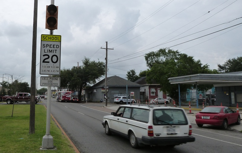 The company that runs, and gets money from, the city's red-light camera system plans to fix the timing of all the school-zone lights in the city, such as this one on St. Claude Avenue.